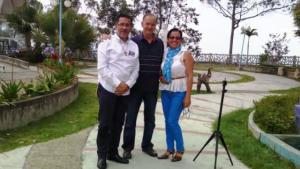 2019 04 13 Con Padre Armando y mi esposa Beatriz Milagros